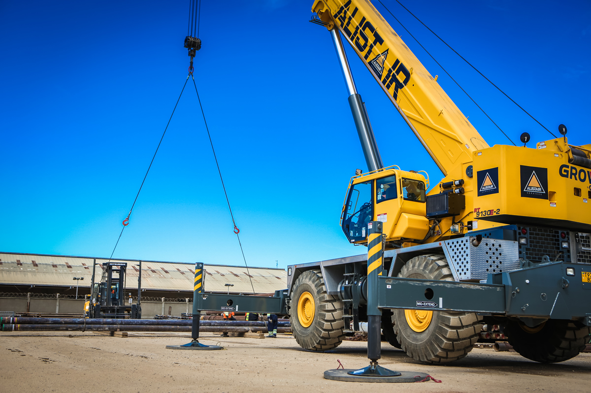 crane2-alistair-group-equipment-rental